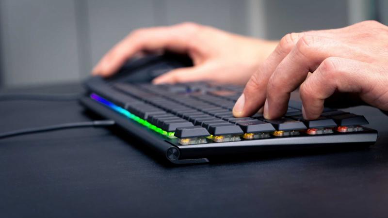 Mutatós, lapos, RGB-s – új billentyűzet a Cherry MX-től