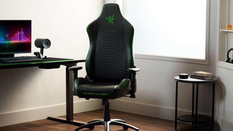 Új gamer széket villantott a Razer